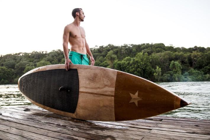 Tablas de madera de lujo para los amantes del Paddle Surf